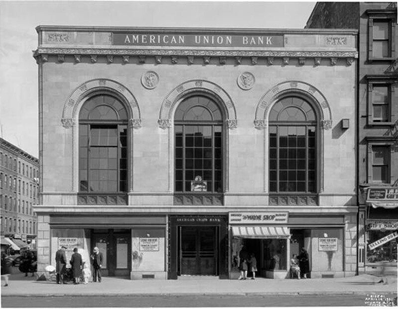 81st Street and 1st Avenue, S.E. corner. American Union Bank, view [of] avenue elevation.