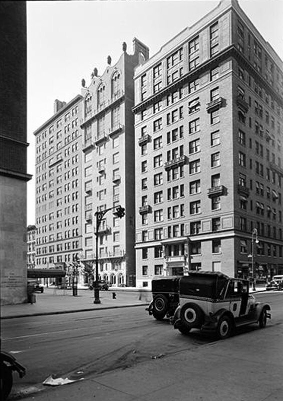 160 East 72nd Street, New York City. General view from Lexington Avenue.