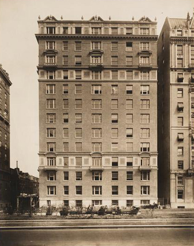 399 Park Avenue. Apartment building