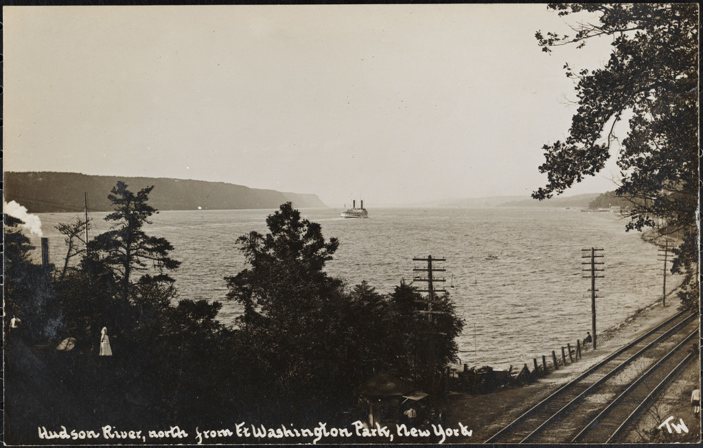 Hudson River, north from Fort Washington Park