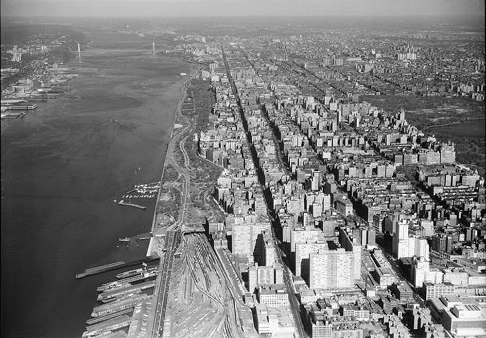 Aerial bird's-eye view of whole Upper West Side from about 65th Street looking due north